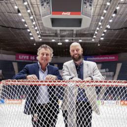 Ny belysning Hovet. Mats och Andreas.
